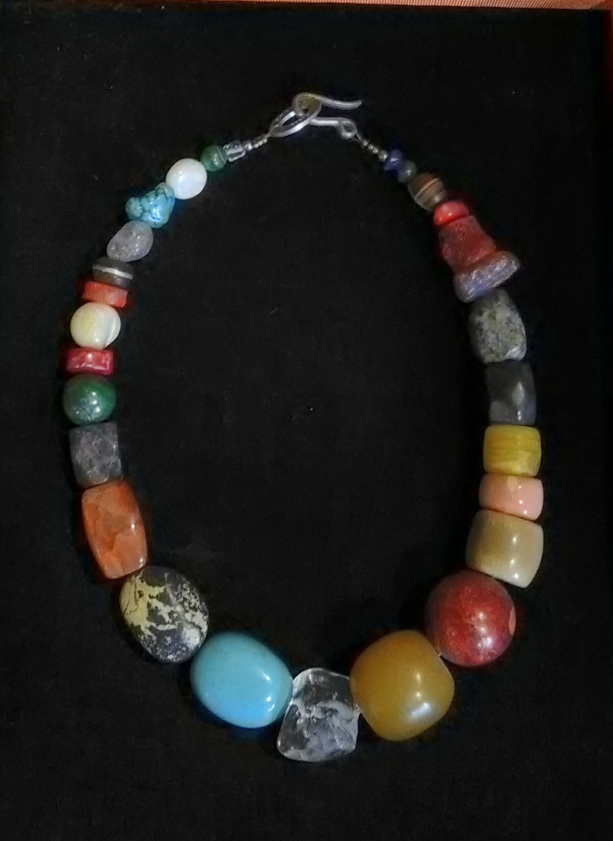 collier de pierres semi-précieuses
