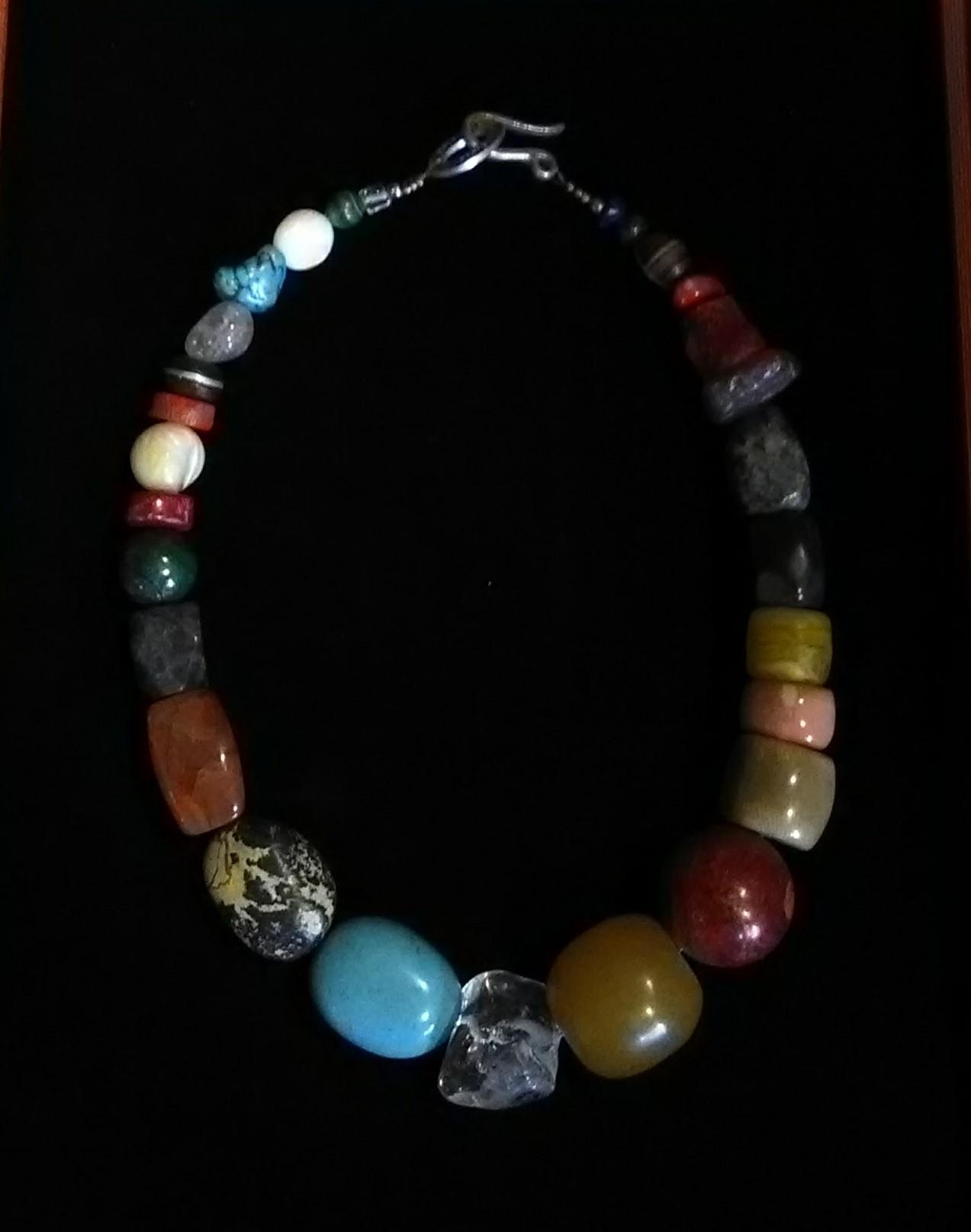 collier de pierres semi-précieuses 2